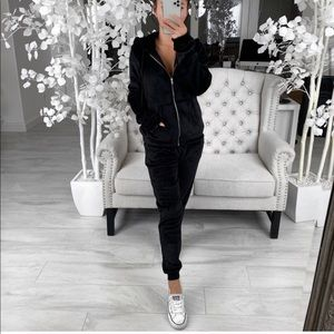 NWT Lovestruck Track Suit in NOIR black Sz L